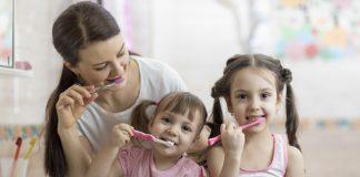 uşağa diş təmizliyini öyrətmək