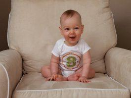 8 aylıq uşaq