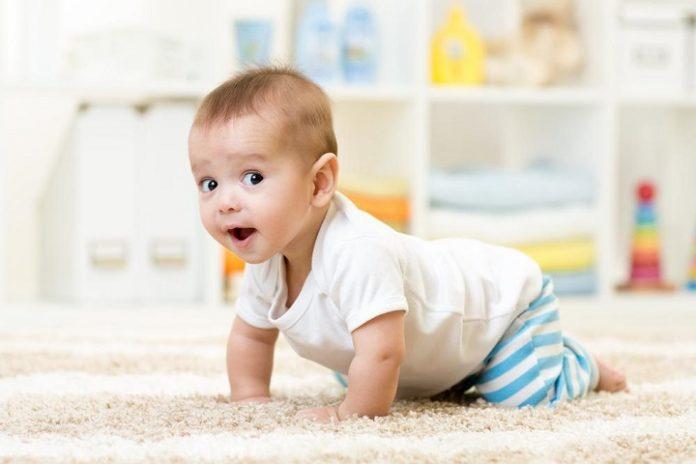 9 aylıq körpənin inkişafı
